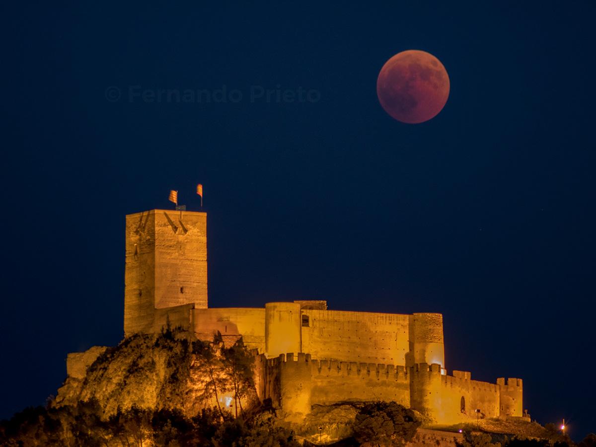 _DSC0368-luna-roja-eclipse-luna-llena-castillo-biar